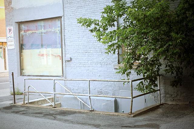 Glaçons, août MMXII, St-Henri, Montréal p.Q.