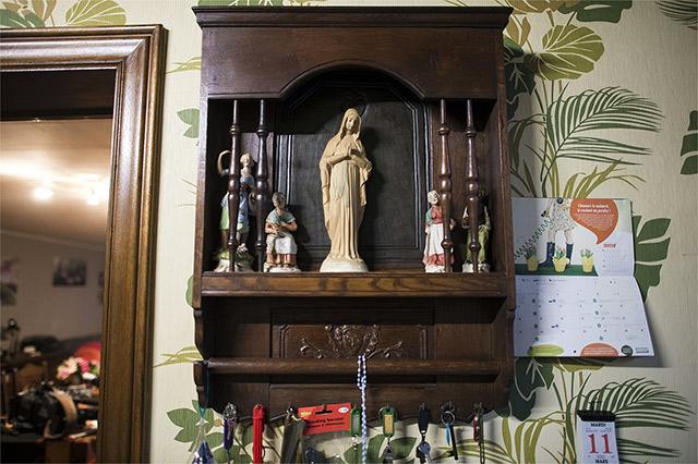 Ils ont vu la Vierge dans le garage... Photo AFP/NICOLAS LAMBERT