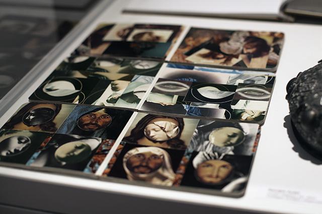 GILLES MIHALCEAN, détail de Livres religieux (3), 2003, collages (images religieuses)
