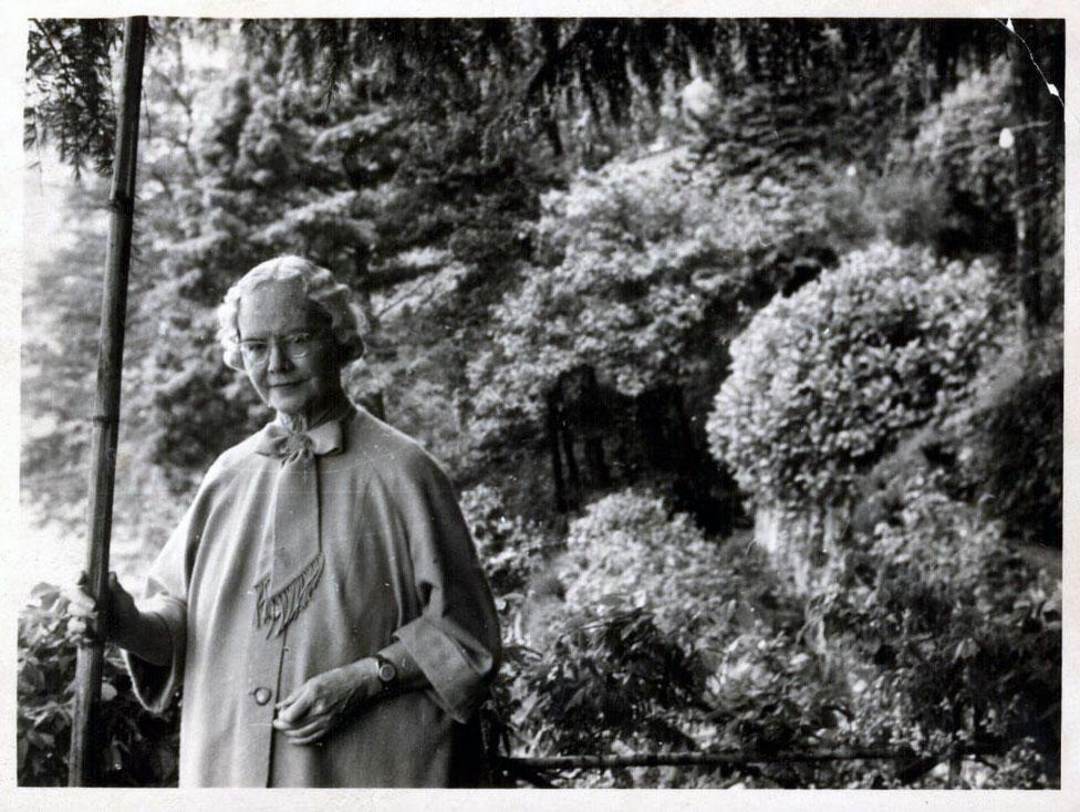 OLGA FRÖBE-KAPTEYN (1881-1962)